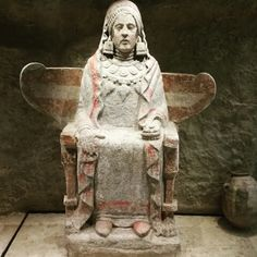 Dama de Baza. Museo Arqueológico Nacional ( Madrid )