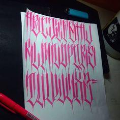 Graffiti Lettering Alphabet, Calligraphy Letters Alphabet, Tattoo Fonts Alphabet, Chicano Lettering, Calligraphy Words, Graffiti Doodles, Graffiti Drawing, Tattoo Lettering Styles, Script Lettering
