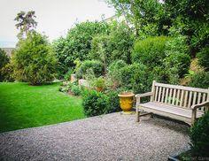 Geschickt gestaltete Gartenräume strukturieren Ihren Garten.