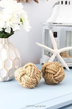 DIY coastal decor idea! How to make decorative monkey fist rope balls. Fun wedding or shower tablescape decor.