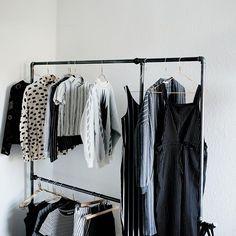 Make room for all your clothes with Wild Bill Elliot ....... @tinasosna #rackbuddywildbillelliot #myrackbuddy #rackbuddy #tøjstativ #clothesrack #garderobe #wardrobe #kleiderstange #klesstativ #industrial #design #decor #homeinspiration #spring #sunshine #monday #freeshipping