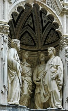 """""""Four Crowned Saints"""" by Nanni di Banco Orsanmichele, Florence- italian renaissance style, renewed fascination with rendering the human form with a stylistic flair Florence Renaissance, Italian Renaissance, Florence Tours, Florence Tuscany, Renaissance Artists, Renaissance Artworks, Renaissance Architecture, Sculpture Art, Stone Sculpture"""