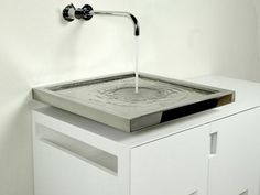 Flat sink.