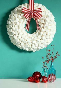 Det er bare fantasien som setter grenser for hva du kan lage en julekrans av!