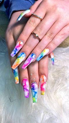 How to choose your fake nails? - My Nails Rave Nails, Neon Nails, Swag Nails, Diy Nails, Cute Acrylic Nail Designs, Marble Nail Designs, Unique Nail Designs, Camo Nail Designs, Marble Nail Art