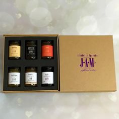 6 homemade alcoholic jams of your choice in a luxury box. 14 flavours available: Prosecco jam, Merlot jam, Piña colada jam, Gin & Lemon jam and many more.