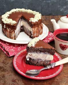 Brownie a la Mode Layer Cake: fudgy brownie, vanilla ice cream and chocolate ganache make this SO GOOD | honey & figs