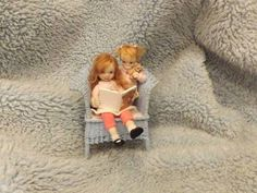 Tellement mignonnes. Miniature handmade MINI BABY & SISTER GIRL CHILD ooak ART DOLL HOUSE DOLLHOUSE
