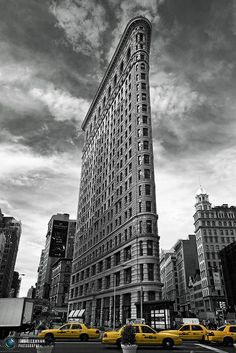 LOVE the Flatiron building -  175 Fifth Avenue in Manhattan. Completed in 1902.