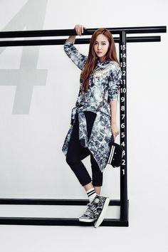 Jessica Jung models sporty street-wear for Li-Ning Jessica Jung, Jessica & Krystal, Krystal Jung, Korea Fashion, Fashion Line, Daily Fashion, Fashion Brand, Girls Generation Jessica, Kim Hyoyeon