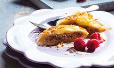 Sabores intensos e ricos é o que conseguirá com esta receita de trouxas de mel com noz e queijo, uma excelente entrada para aquele almoço ou jantar especial que vai dar!