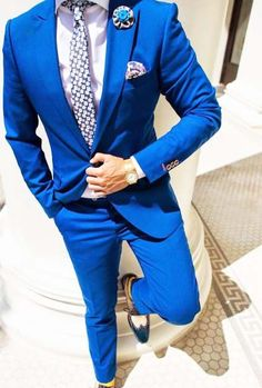 Tailor Made Royal Blue Groom Tuxedos 2 Piece Slim Fit Handsome Mens Wedding Prom Homecoming Suits(Jacket+Pants)costume homme Mens Fashion Blog, Mens Fashion Suits, Mens Suits, Fashion Guide, Lifestyle Fashion, Fashion Hair, Fashion Trends, Costumes Bleus, Blue Suit Men