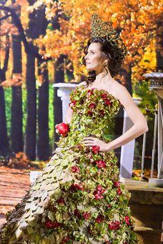 STUNNING FLORAL DRESSES BY NATALIA ZIZKO.
