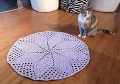 Crochet T-Shirt Daisy Rug Pattern + Tutorial