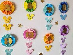 ペーパーファンのディズニーツムツムお誕生表を制作しました〜プリプリ2019年4月号特別付録 | Happy Birthday Project Tsumtsum, Diy And Crafts, Mickey Mouse, Party, Decor, Garlands, Decoration, Parties, Decorating