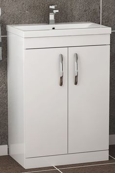 The 800mm wide 2 Door Floor Standing vanity unit with Mid-Edge Basin is the perfect storage cabinet for Bathrooms. Supplied fully assembled with 5 Year manufacturer Guarantee.
