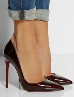 Amazing with this fashion pumps! get it for 2016 Fashion Christian Louboutin Pumps for you! Zapatos Shoes, Women's Shoes, Me Too Shoes, Shiny Shoes, Shoes Style, Louboutin Pumps, Cooler Look, Christian Louboutin So Kate, Christian Louboutin Shoes