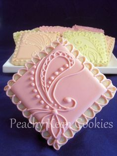Paisley cookies is a soft, pastel pallet. Cute for a bridal shower Lace Cookies, Cut Out Cookies, Royal Icing Cookies, Cupcakes, Cupcake Cookies, Sugar Cookies, Cookies Decorados, Galletas Cookies, Cookie Designs