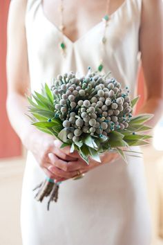 modern wedding bouquet | Found for you by www.astrabridal.co.nz |