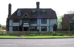 File:Large Elizabethan Half Timbered House, Brenchley - geograph.org.uk - 1274861.jpg