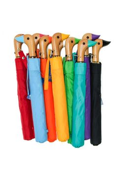"Classic duck head umbrella with automatic open and natural wood handle. 18"" length. Opens to a 44"" arc."