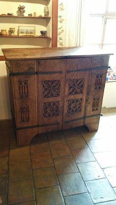 Medieval style aumbry / tv cabinet, bifold doors, handforged hinges, hand tool marks. Tobiasoak.