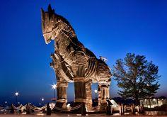 Troy Day Tour from Istanbul http://www.turkeytravelbazaar.com/tour/gallipoli-troy-tours/