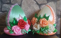 Jajka Easter Projects, Easter Crafts, Projects To Try, Christmas Cover, Cloth Flowers, Faberge Eggs, Egg Art, Pinocchio, Egg Decorating