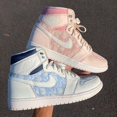 ✔ Fashion Shoes Sneakers Trainers Source by shoes sneakers nike Dr Shoes, Swag Shoes, Nike Air Shoes, Hype Shoes, Pink Shoes, White Nike Shoes, Nike Socks, Adidas Shoes, Jordan Shoes Girls