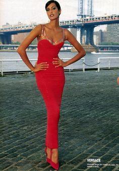 Gianni Versace Haute Couture / Fall 1995 / Yasmeen Ghauri