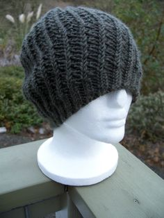Easy Beret Knitting Pattern Straight Needles : A basic chunky knit beret pattern (free) done on straight needles (US 10/6mm)...
