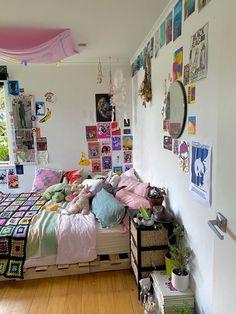 Indie Room Decor, Cute Room Decor, Aesthetic Room Decor, Indie Bedroom, Aesthetic Indie, Chill Room, Cozy Room, Room Ideas Bedroom, Bedroom Decor