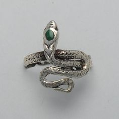 Snake malachite ring and sterling silver  weight : 1.8 g  length : 18 mm  width 14 mm  You can find the ring sizes on the right of the photo !