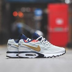 official photos 900a2 25c14 Nike Air Classic BW Ultra SE Olympic