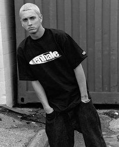 Lovin the face expression😏 Freestyle Rap, Rap God, Eminem Slim Shady Lp, Marshall Eminem, Eminem Wallpapers, Eminem Rap, Eminem Funny, Eminem Lyrics, Estilo Hip Hop