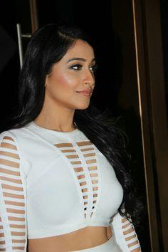 South Actress, South Indian Actress, Beautiful Indian Actress, Bollywood Actress Hot Photos, Tamil Actress, Beautiful Women Quotes, Beautiful Celebrities, Regina Cassandra, Hindu Art
