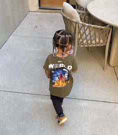 Travis Scott is one of the most loved celebrities among youngsters. This artist is not just popular for his music but also for his amazing sense of fashion. Kylie Jenner Outfits, Mode Kylie Jenner, Trajes Kylie Jenner, Travis Scott Kylie Jenner, Estilo Jenner, Boy Outfits, Cute Outfits, Jenner Kids, Kendall And Kylie