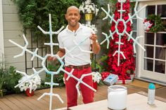 Creative And Beautiful DIY Outdoor Christmas Decorations Everyone wants to have a beautiful decoration at Christmas. And outdoor Christmas decorations are not difficult to make. Outdoor Christmas decorations are easy to do with the many ingredients that … Christmas Projects, Holiday Crafts, Christmas Holidays, Christmas Ornaments, Snow Crafts, White Christmas, Christmas Vacation, Christmas 2017, Christmas Ideas