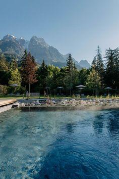 Das Wasser in unserem neuen Onsen Pool hat 42 Grad, und wie in den traditionellen Badehäusern Japans sorgen heiße Dämpfe für beruhigende Spa-Atmosphäre und Wohlbefinden.