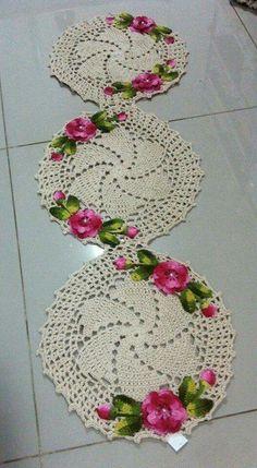 Crochet Doily Rug, Crochet Motifs, Crochet Tablecloth, Crochet Squares, Thread Crochet, Crochet Flowers, Knit Crochet, Diy Crafts Crochet, Crochet Home Decor