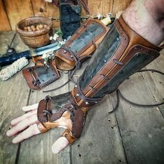 Fantasy Cosplay, Cosplay Armor, Fantasy Armor, Larp, Post Apocalyptic Costume, Kleidung Design, Leather Bracers, Samurai Armor, Ninja Armor