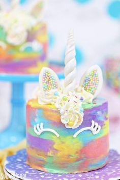 Unicorn Cakes - colo