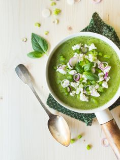 soupe froide courgette poivron basilic & feta