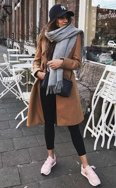 40 Stylish Scarf For Winter Ideas. Winter camel coats classy outfit women long chic casual street style fall fashions, s Classy Winter Outfits, Casual Winter, Casual Fall Outfits, Outfit Winter, Summer Outfits, Autumn Outfits, Dress Winter, Dress Casual, Winter Style
