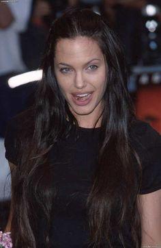 "Képtalálat a következőre: ""angelina jolie black hair"" Most Beautiful Women, Beautiful People, Angelina Jolie Photos, Angelina Jolie Blonde, Angelina Jolie Young, Beauté Blonde, Foto Art, Glamour, Grunge Hair"