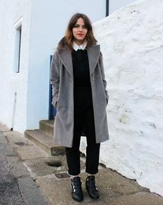 gray coat with all black 2017 outfit
