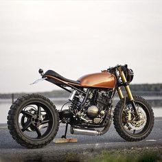 Photo courtesy of @dropmoto :: Bike - Honda XL600R built by @tuxcustoms :: #triumph #honda #suzuki #yamaha #ducati #caferacer #caferacers #classic #croig #caferacersofinstagram #motorcycle...
