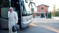 EL PAPA FRANCISCO SE FUE DE EJERCICIOS ESPIRITUALES CON LA CURIA Y PIDIÓ ORACIONES  https://www.aciprensa.com/noticias/el-papa-francisco-y-la-curia-romana-inician-hoy-sus-ejercicios-espirituales-86135/