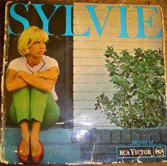 """Sylvie Vartan, disque 45 tours RCA Victor, 1964 - La plus belle pour aller danser (du film """"cherchez l'idole"""") - un air de fête - dum di la (he understands me) - ne l'imite pas (the monkey time)"""