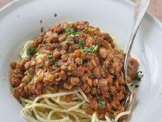 tomate pelée, poireau, oignon, carotte, lentille, vin blanc, herbes de Provence, sel, poivre, piment